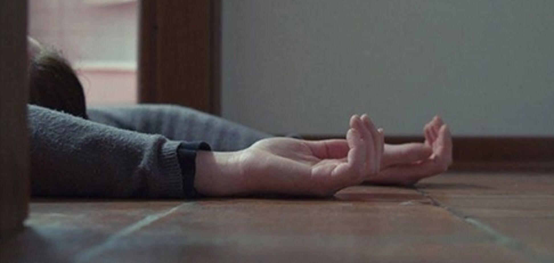 Изрезаны лицо и руки: в Кривом Роге загадочно умерла супружеская пара