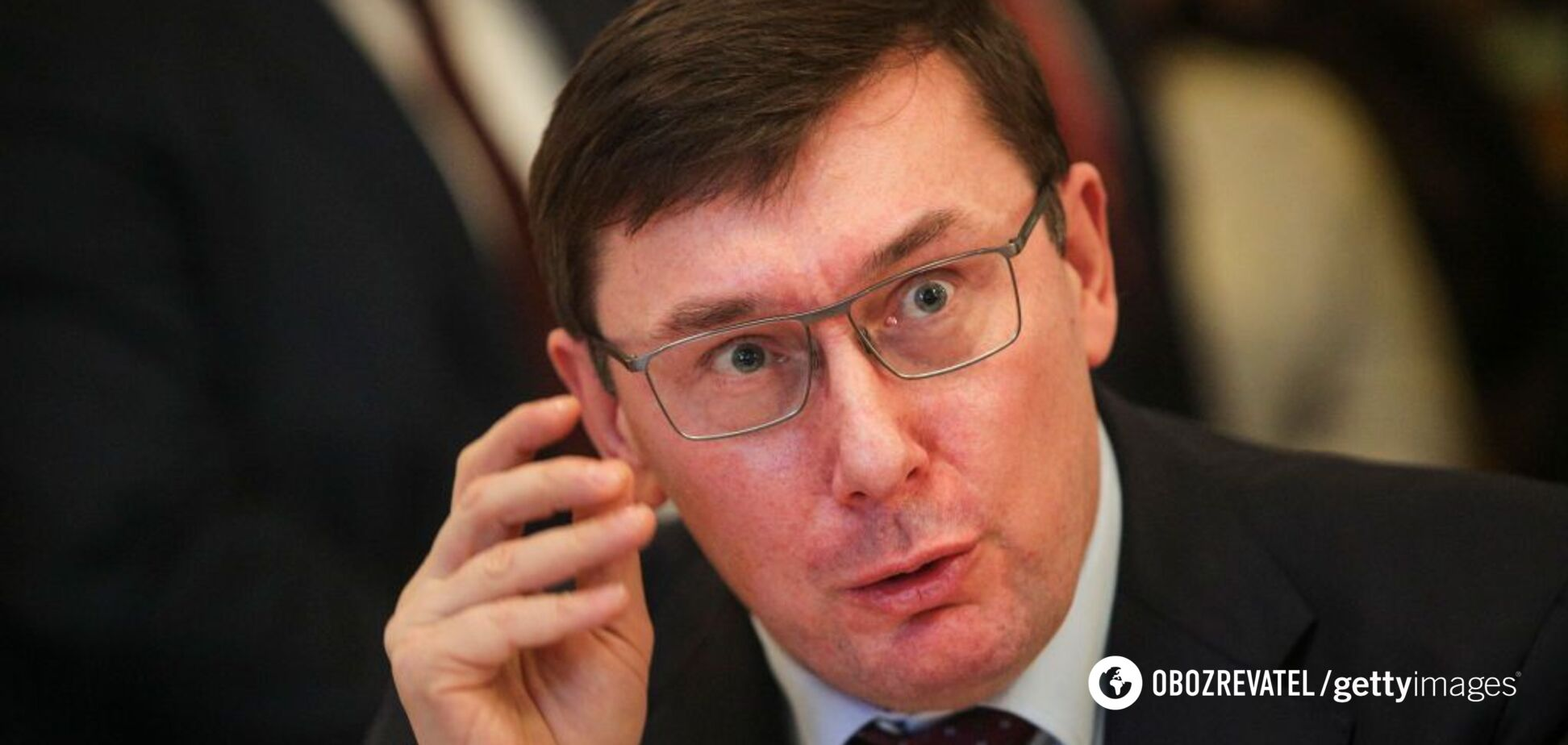 Луценко могут запретить выезжать за границу: решение примет суд