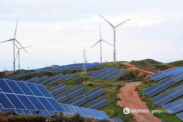 Сонячні панелі у китайському окрузі Чжанцзякоу