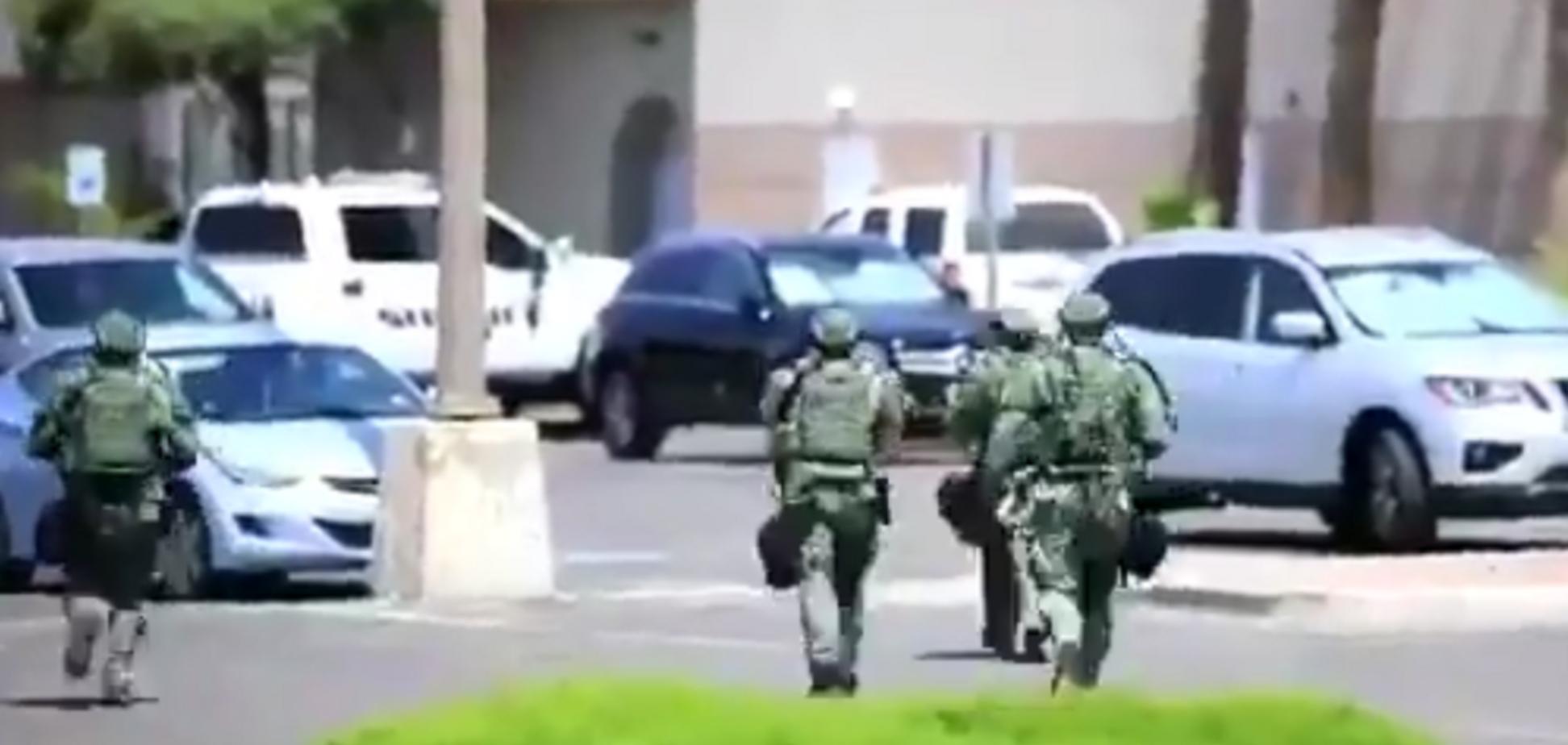 В США совершили три теракта за сутки: десятки убитых и раненых