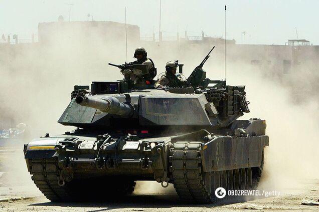 Танк армии США на улице Багдада
