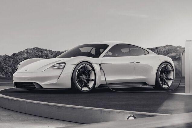 Електрокар преміум-класу Porsche Taycan GT