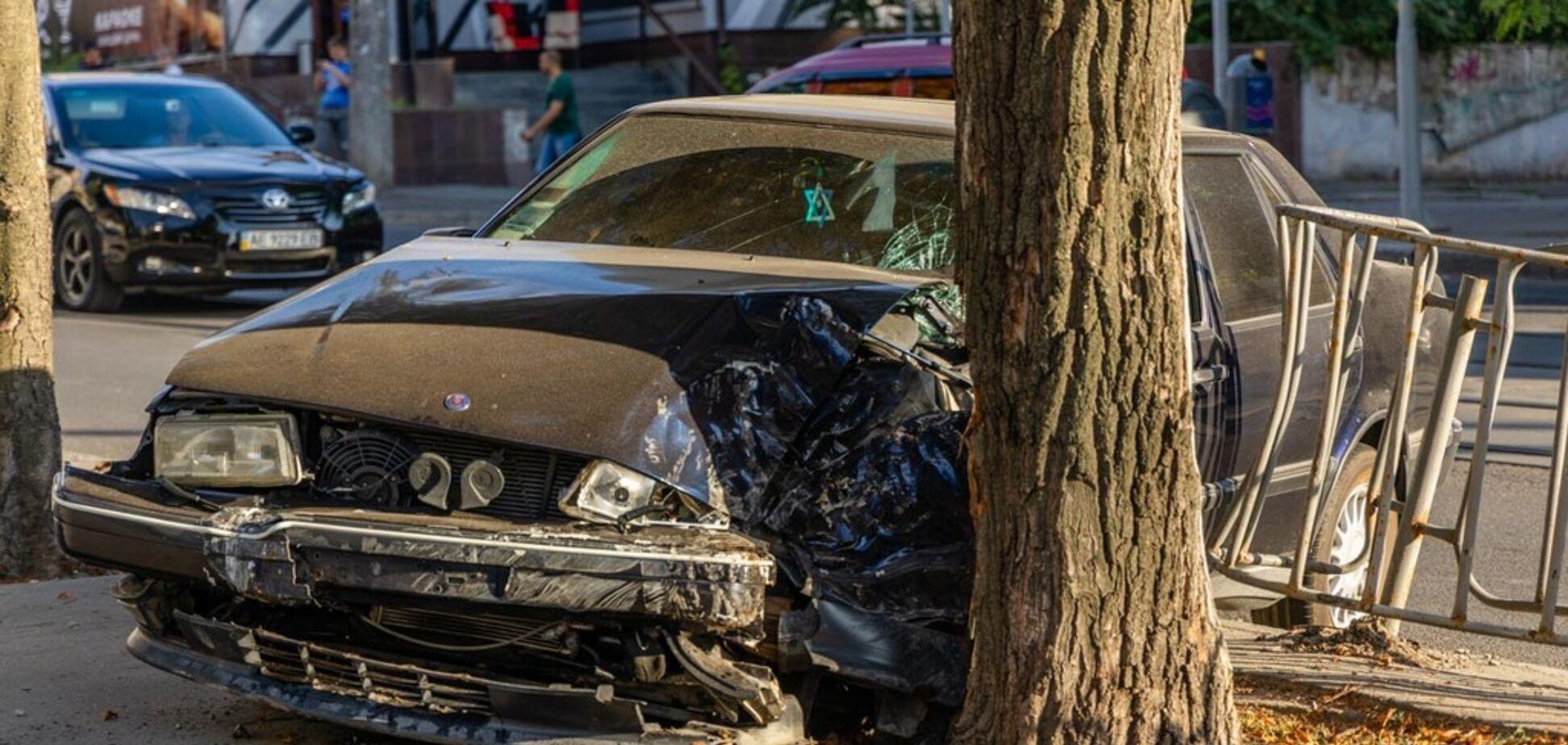 Мчалась на красный: в Днепре в жутком ДТП пострадала женщина