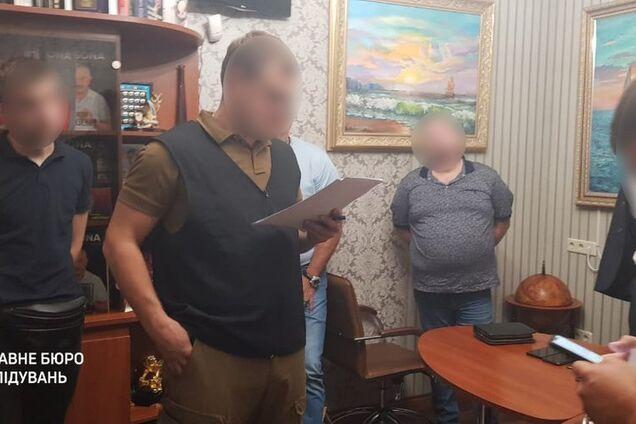 Мошенников задержали на Банковой