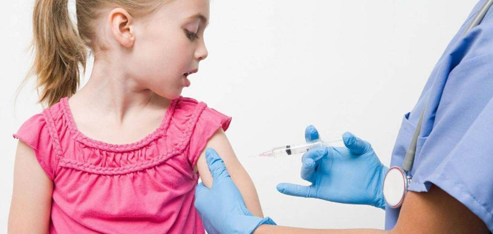 Супрун рассказала, без каких прививок не пустят ребенка в школу