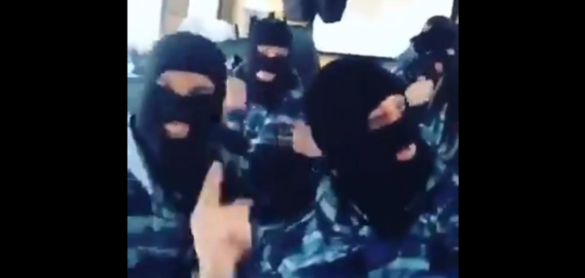 'Мерзота, горіти їм у пеклі!' 'Весела' поїздка силовиків на розгін протестів у Москві розлютила мережу