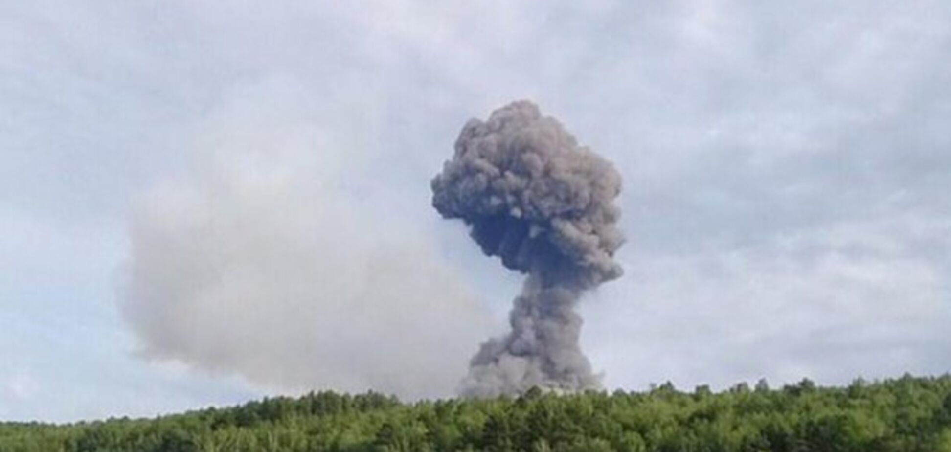Взрывы на складах в России: названа причина