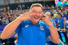 Строил глазки: тренер сборной России вляпался в международный скандал