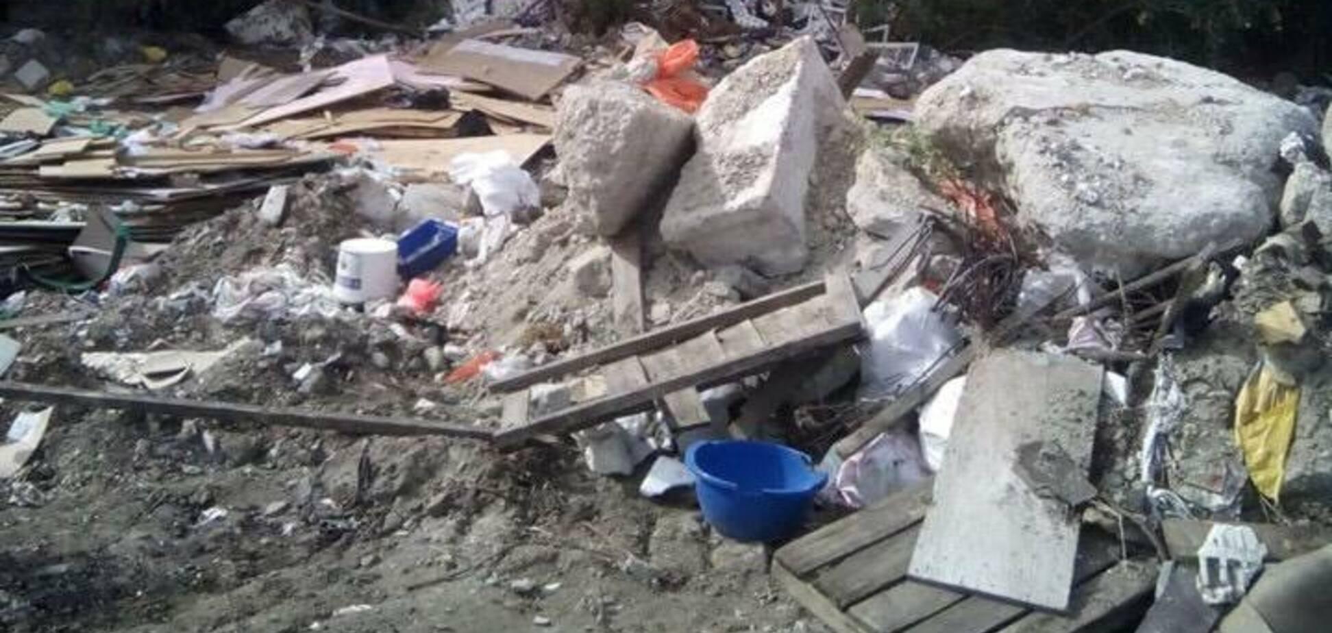 Перетворили на звалище! У Києві псевдоучасники АТО захопили землю