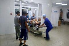 Камнем пробили голову: в Киргизии после штурма милицейский начальник впал в кому