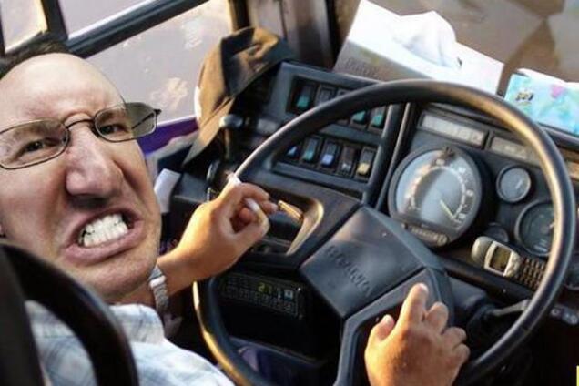 У Нікополі п'яна пасажирка влаштувала скандал в автобусі