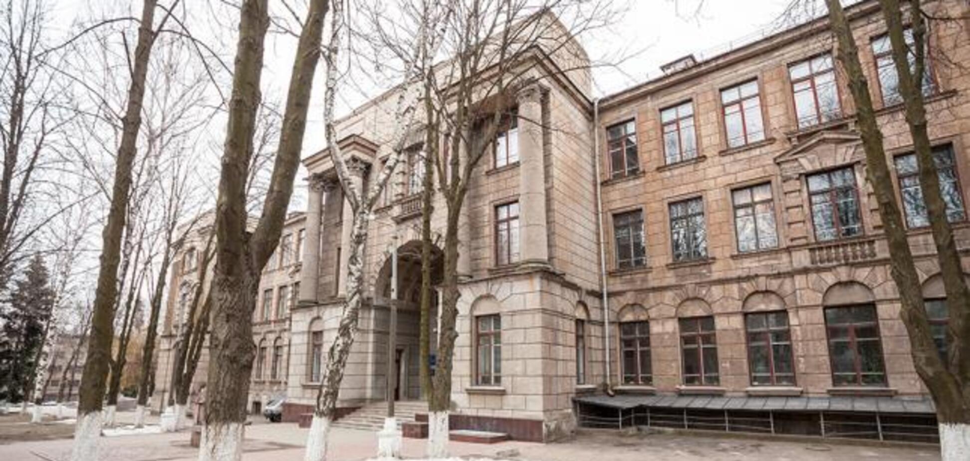 У Дніпрі студенти прийшли на іспит з підробленими паспортами: виник скандал