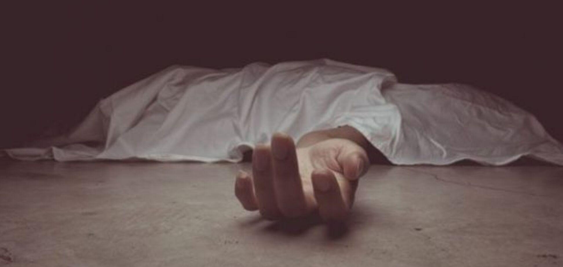 У Кривому Розі син забив до смерті рідну матір. Фото 18+