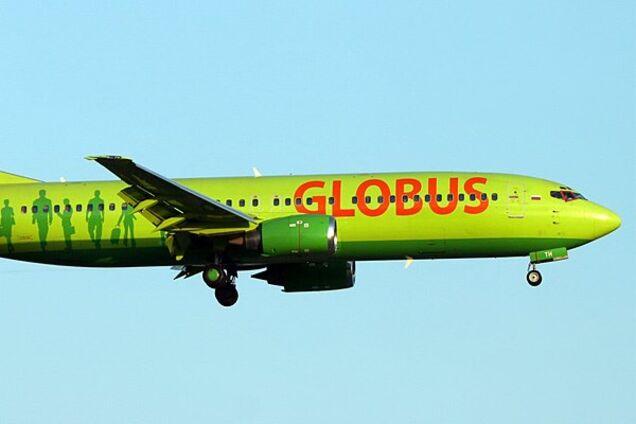 """Російський літак Boeing-738 (авіакомпанія """"Глобус"""")"""