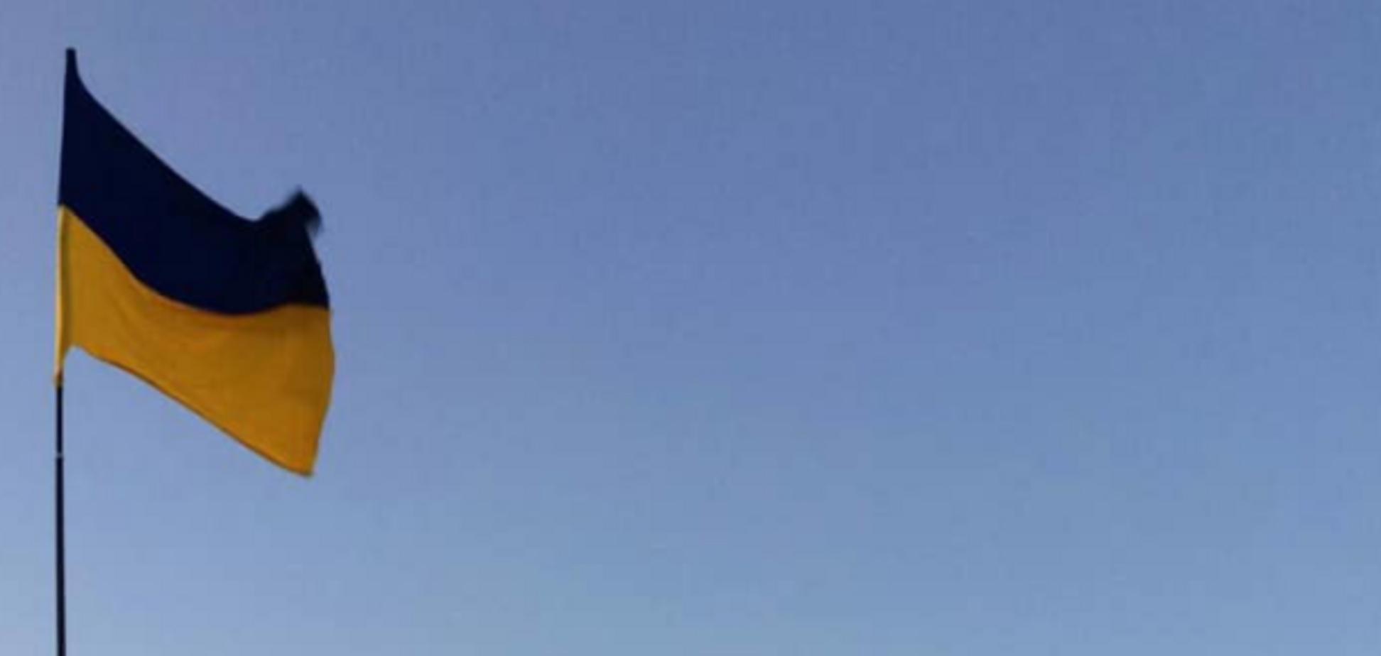 'Путин услышал Зеленского?' В Крыму под носом у оккупантов подняли флаг Украины. Видеофакт