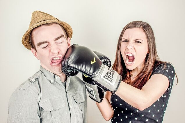 Чоловікам марно сперечатися з жінками