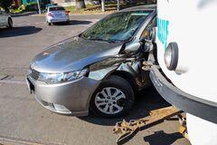 Легковушка протаранила трамвай в Днепре: пострадали люди