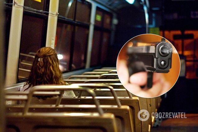 У Кривому Розі обстріляли тролейбус