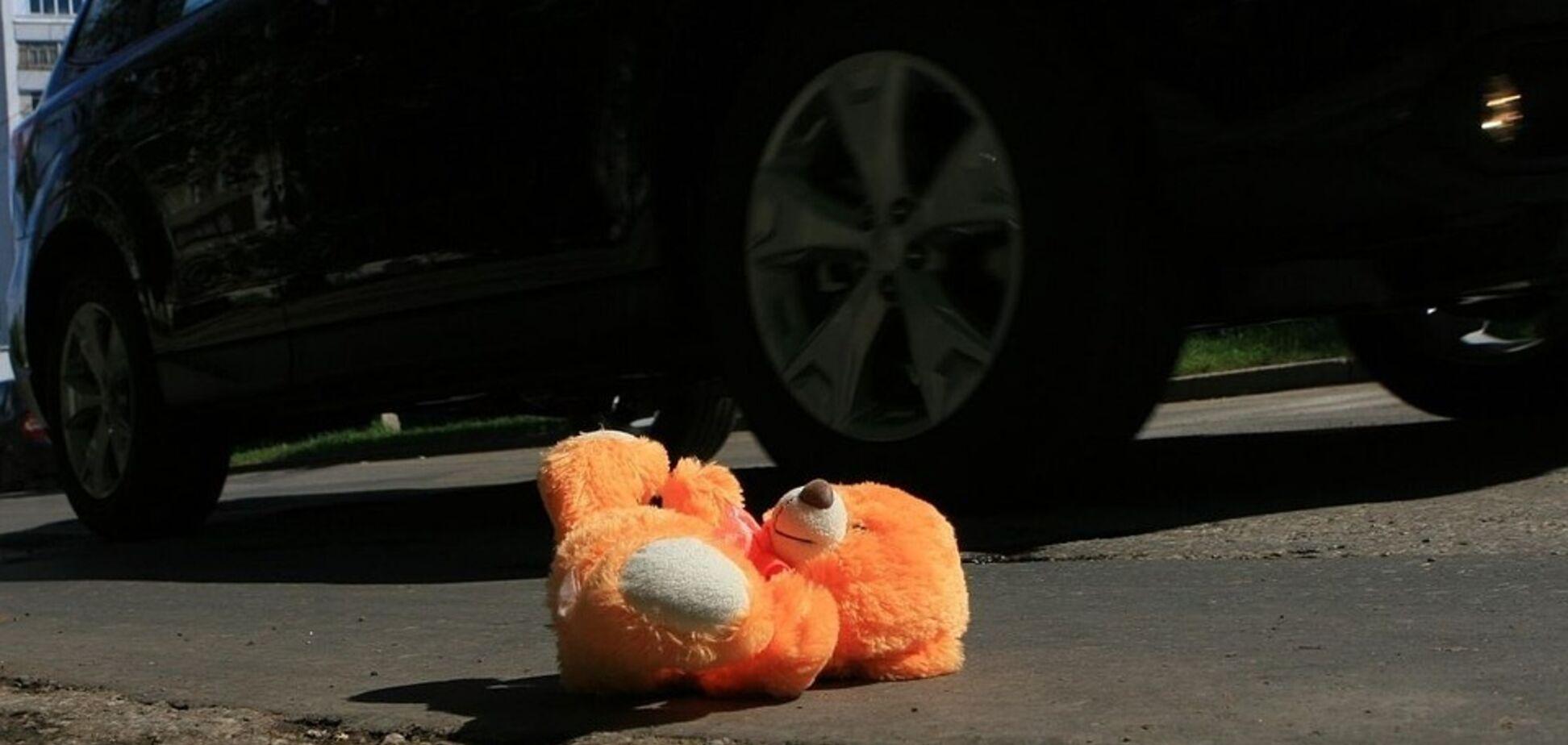 У Кривому Розі автомобіль збив на 'зебрі' двох жінок з дитиною