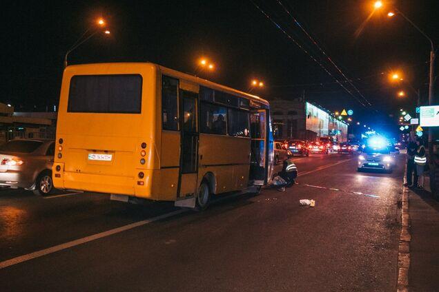 У Києві маршрутка збила пішохода