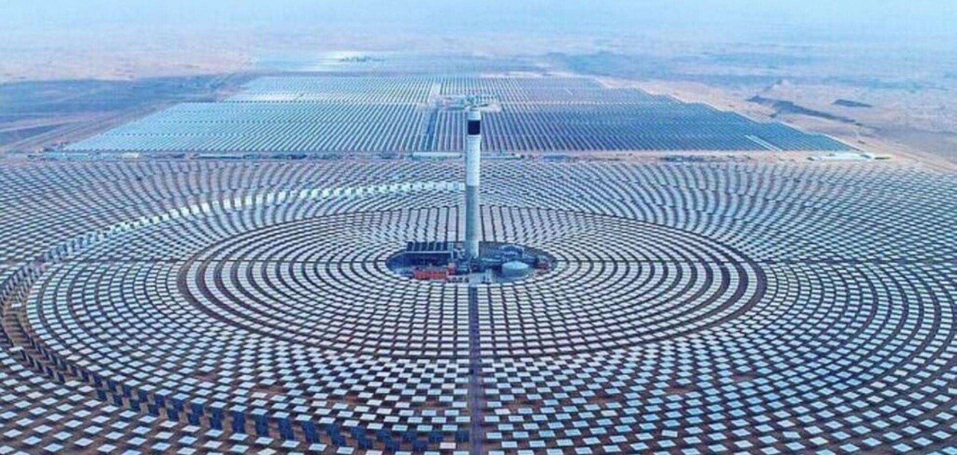 Як виглядає найпотужніша сонячна електростанція: з'явилося вражаюче відео