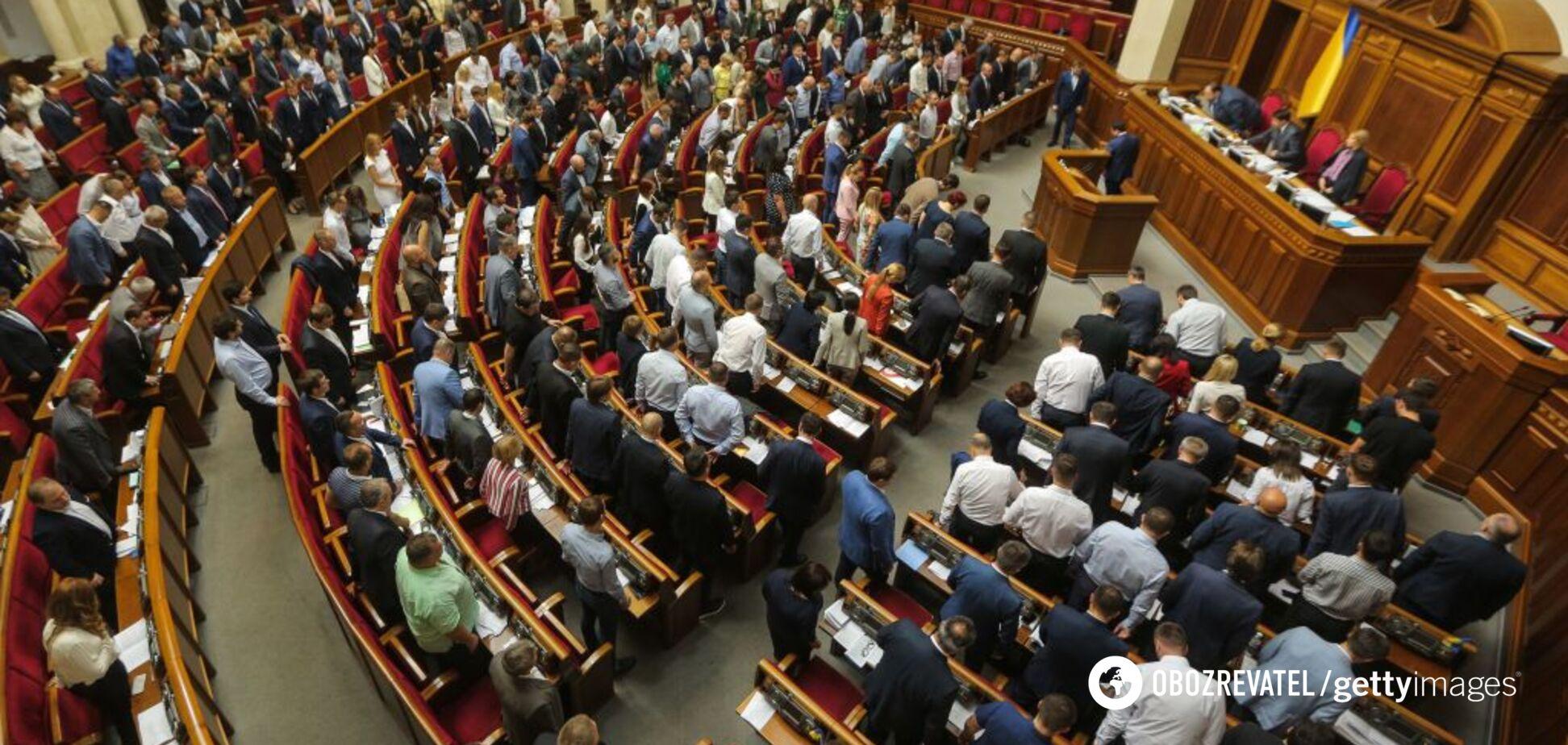 На низком старте: сможет ли Зеленский провести местные выборы в обход Конституции
