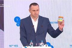 Сенцов открыл YES вместо Зеленского: о чем говорил