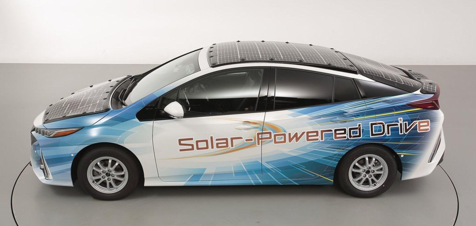 Toyota создала электромобиль, который не нужно заряжать