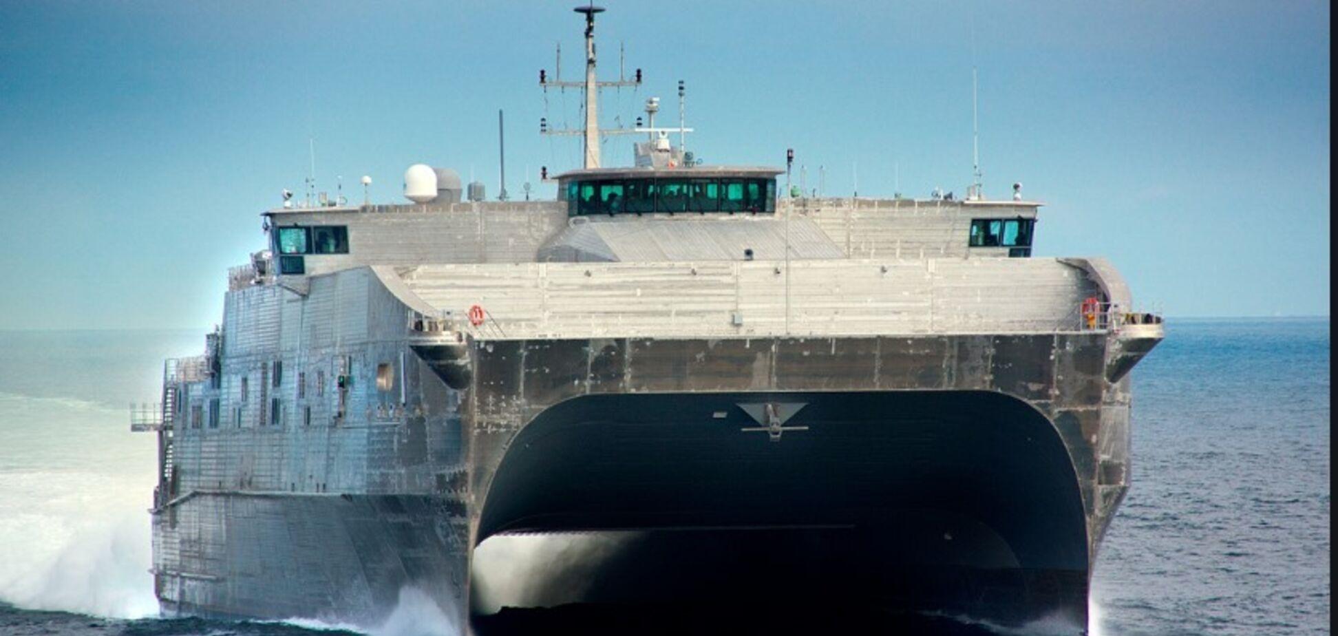 Флот Путіна ув'язався за військовим кораблем США: всі деталі