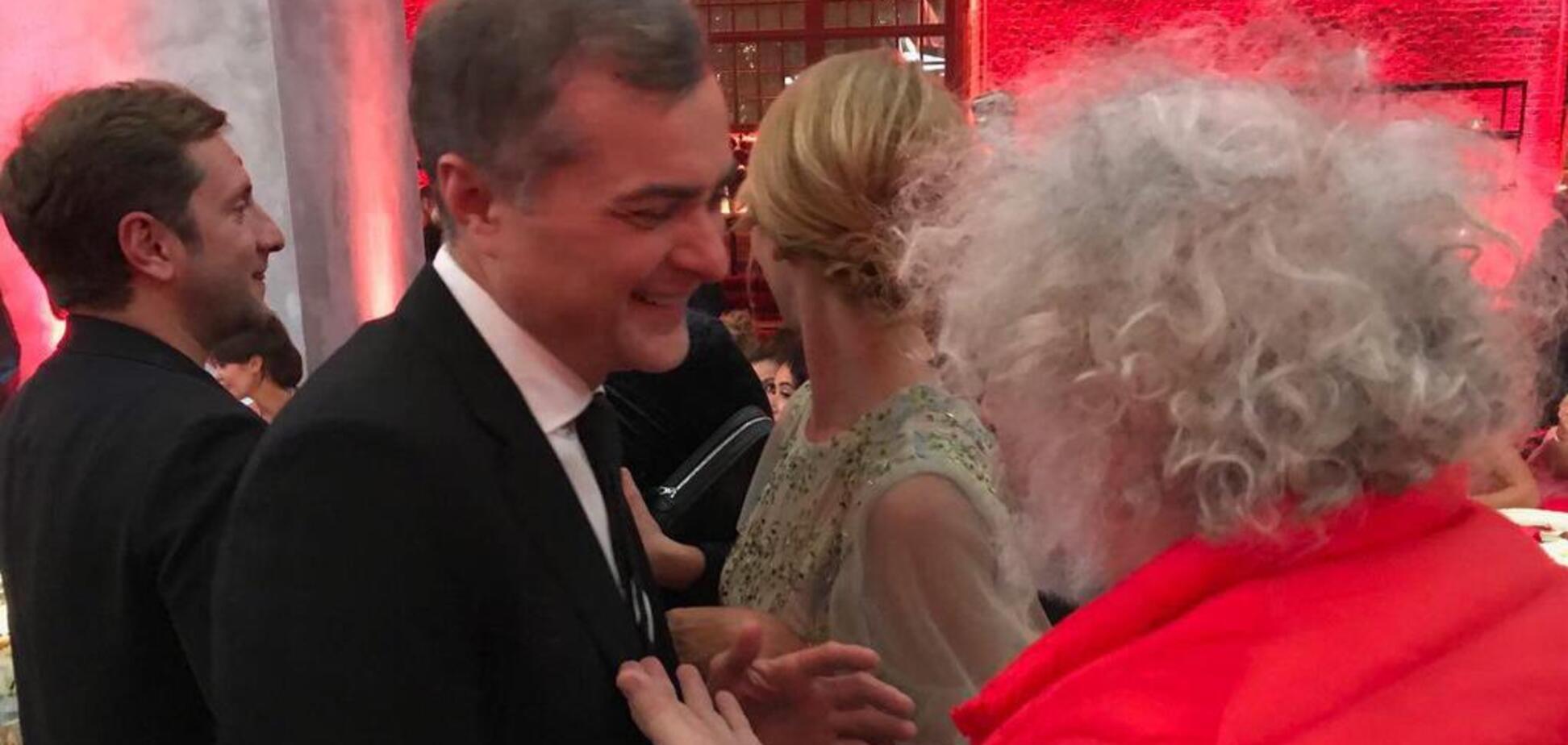 'Не о чем с тобой говорить': стало известно о ссоре Суркова и Венедиктова на свадьбе Собчак