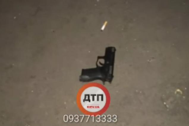 У Києві відкрили стрілянину посеред вулиці