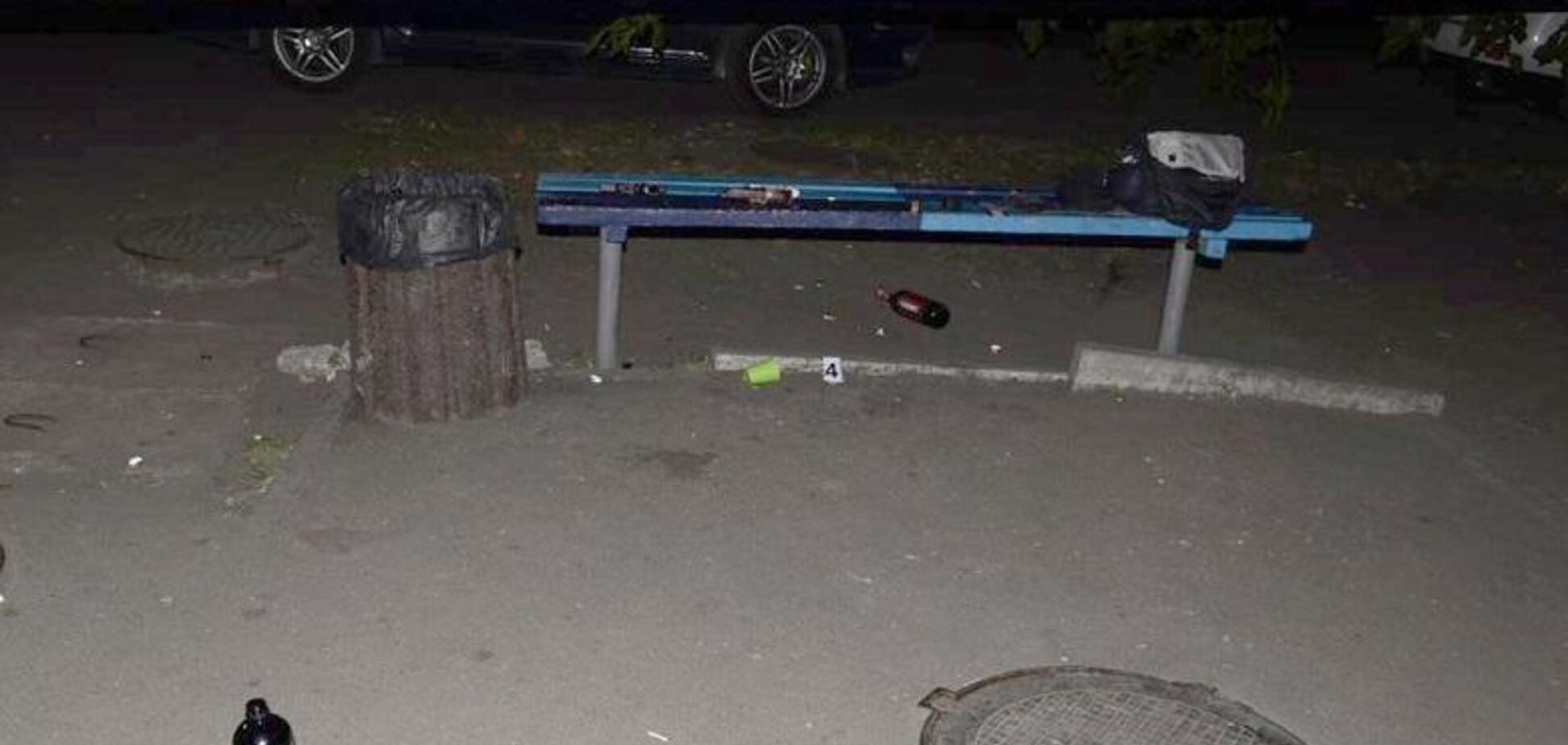 Били по голові: у Києві посеред вулиці напали на поліцейського