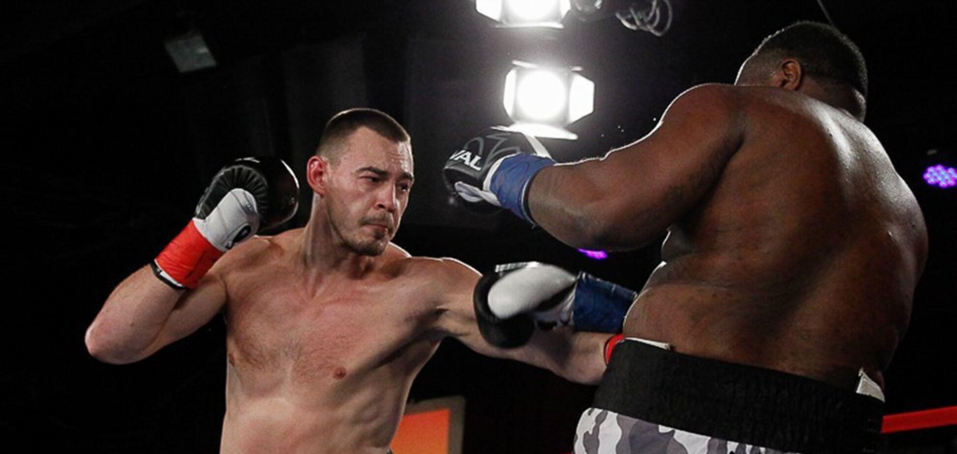 Впервые в карьере: украинский супертяж сенсационно проиграл чемпионский бой — видео