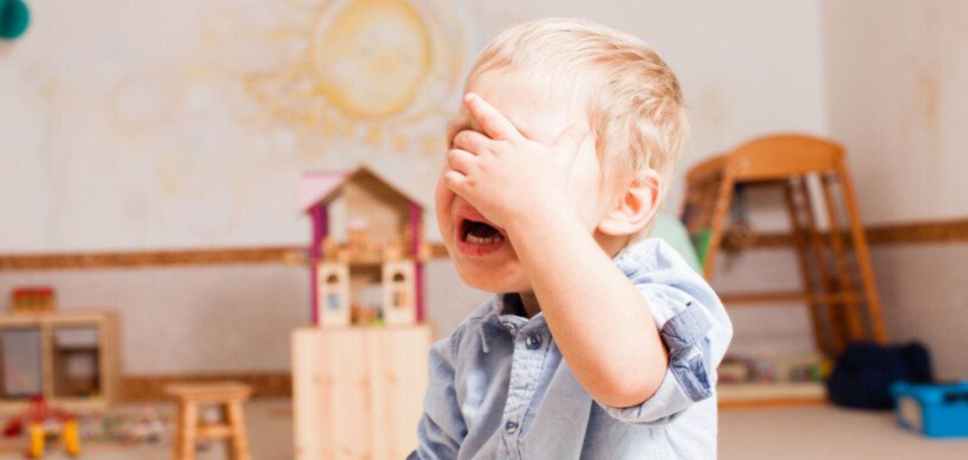 Был без присмотра: на ребенка в российском детском саду упал шкаф
