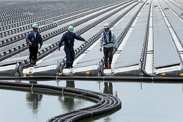 На юге Украины построят уникальную плавучую солнечную станцию