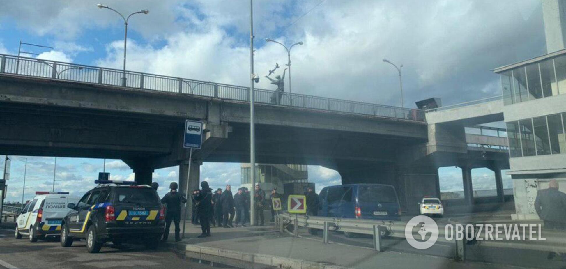 В Киеве из-за 'минирования' перекрыли часть метро