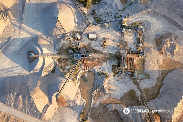 На планете ежегодно добывается от 40 до 50 млрд тонн песка