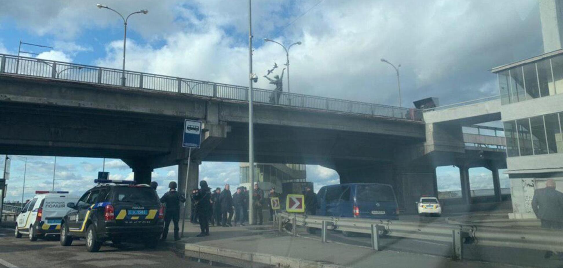 Мост в Киеве 'минировал' военный-выходец из Крыма: всплыли подробности о стрелке