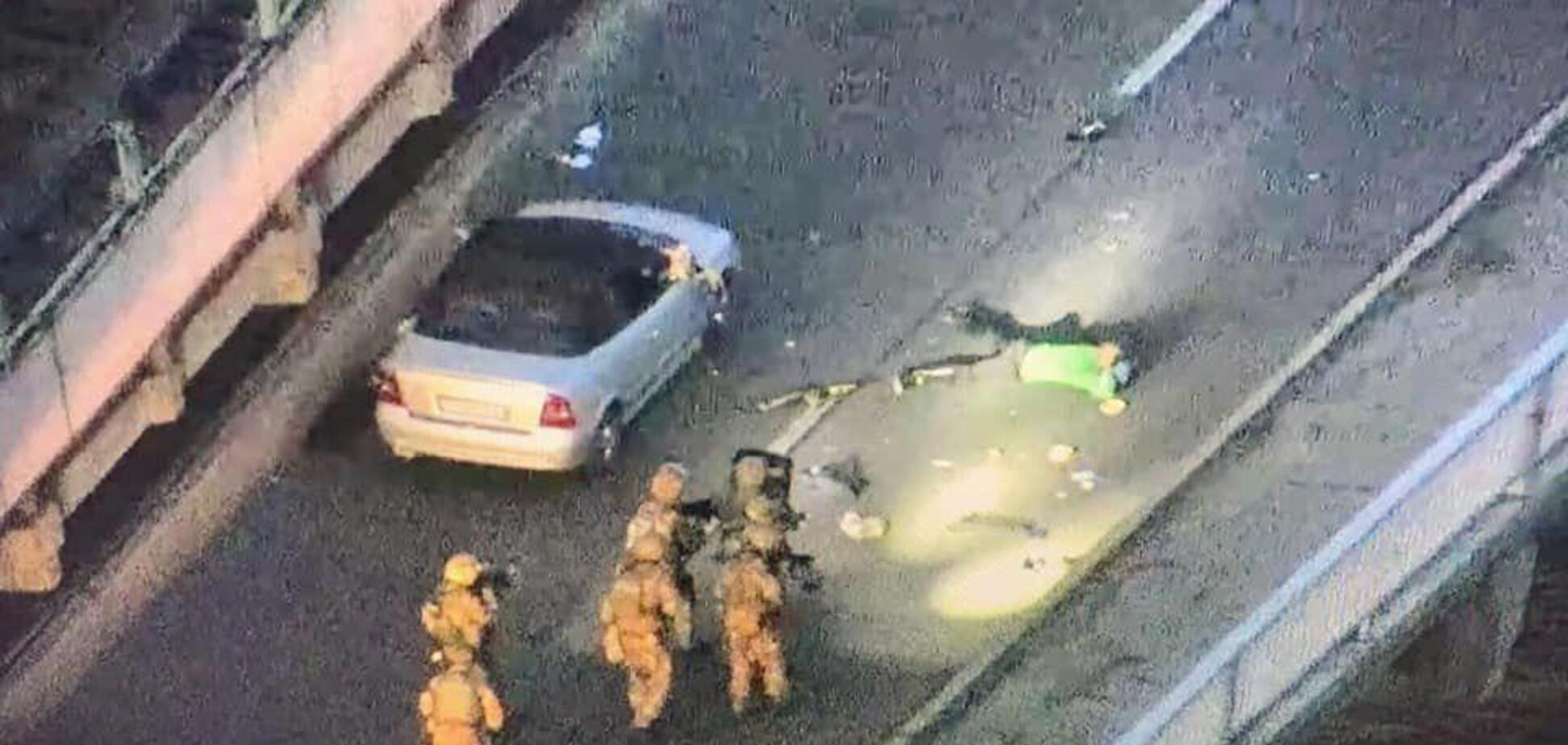 'Террориста' с моста Метро задержали: стали известны требования стрелка