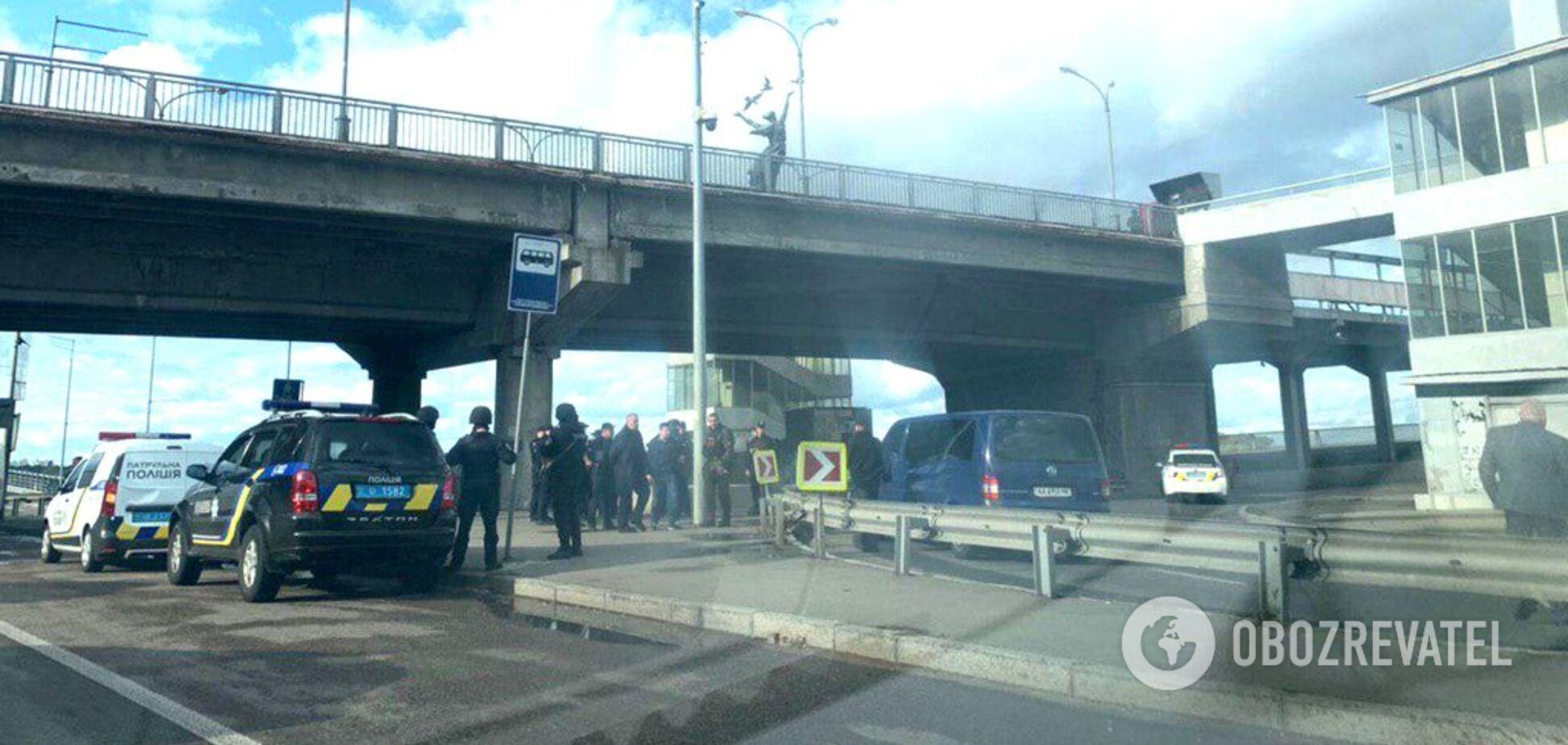 'Захват' моста Метро в Киеве: все подробности о теракте