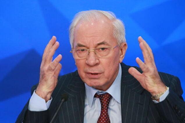 Азаров забредил о фашизме в Украине