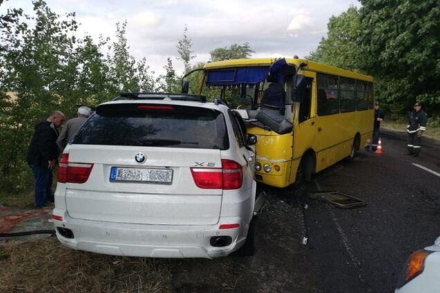 На Черкасщине в ДТП пострадали 10 человек