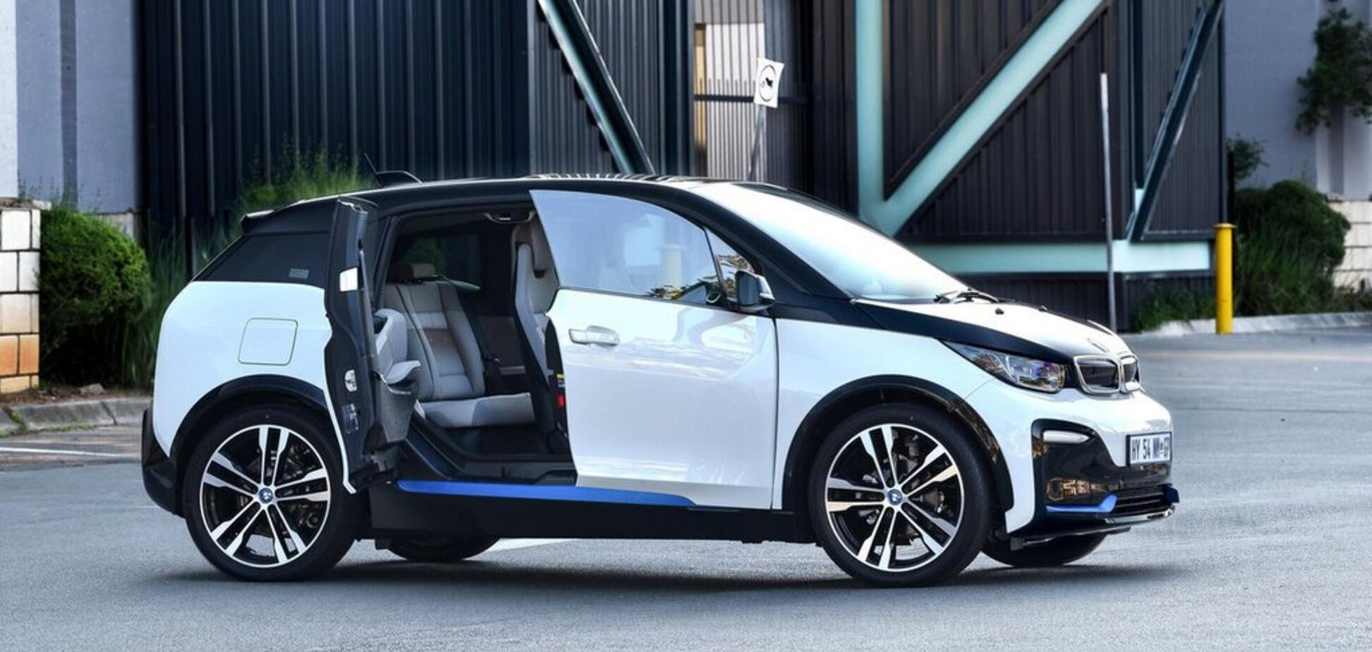 BMW вирішила відмовитися від продажу електрокара-бестселера