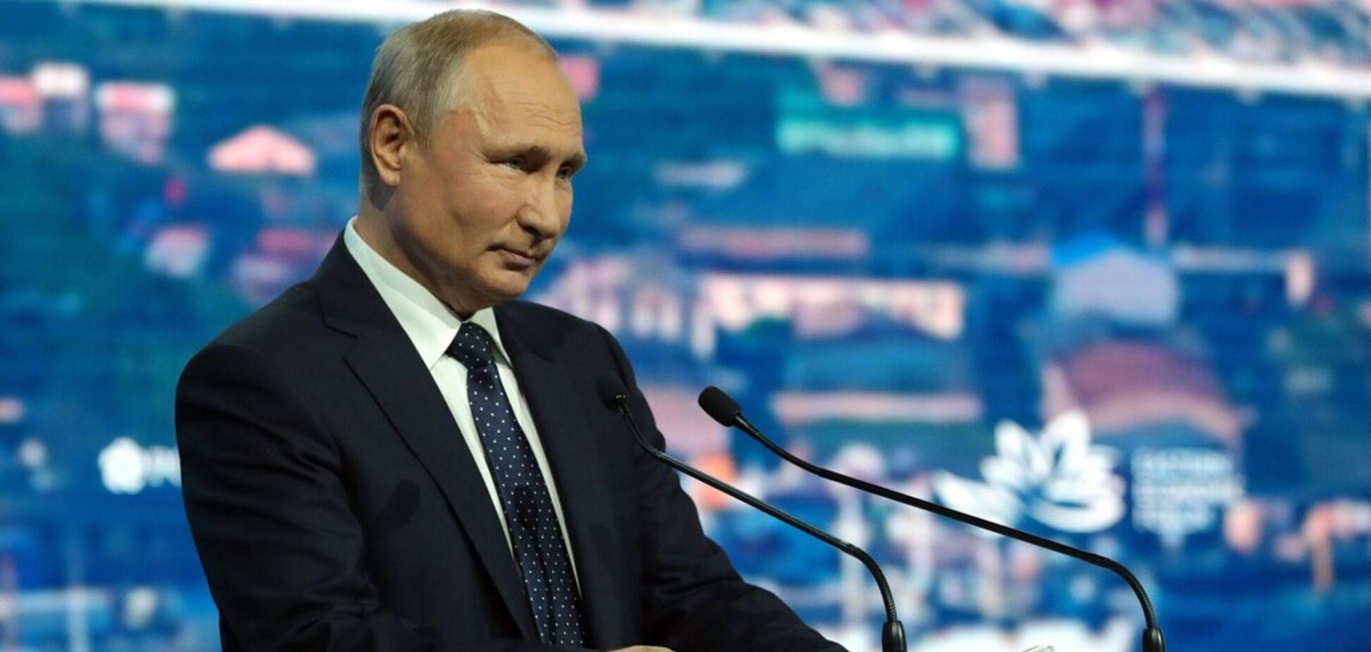 Путин опускает железный занавес