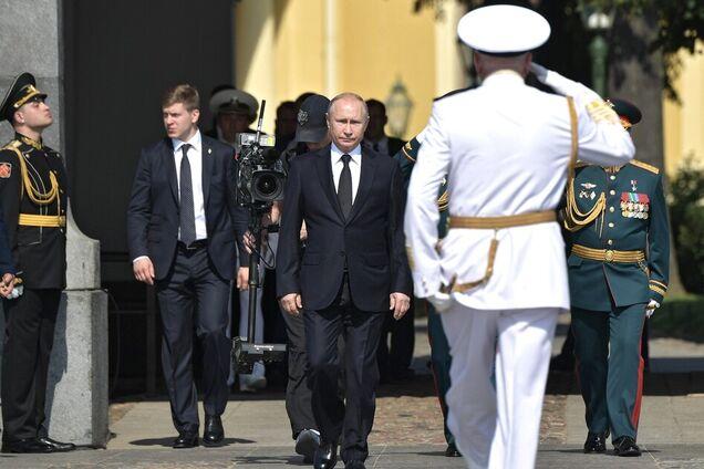 Владимир Путин на главном военно-морском параде
