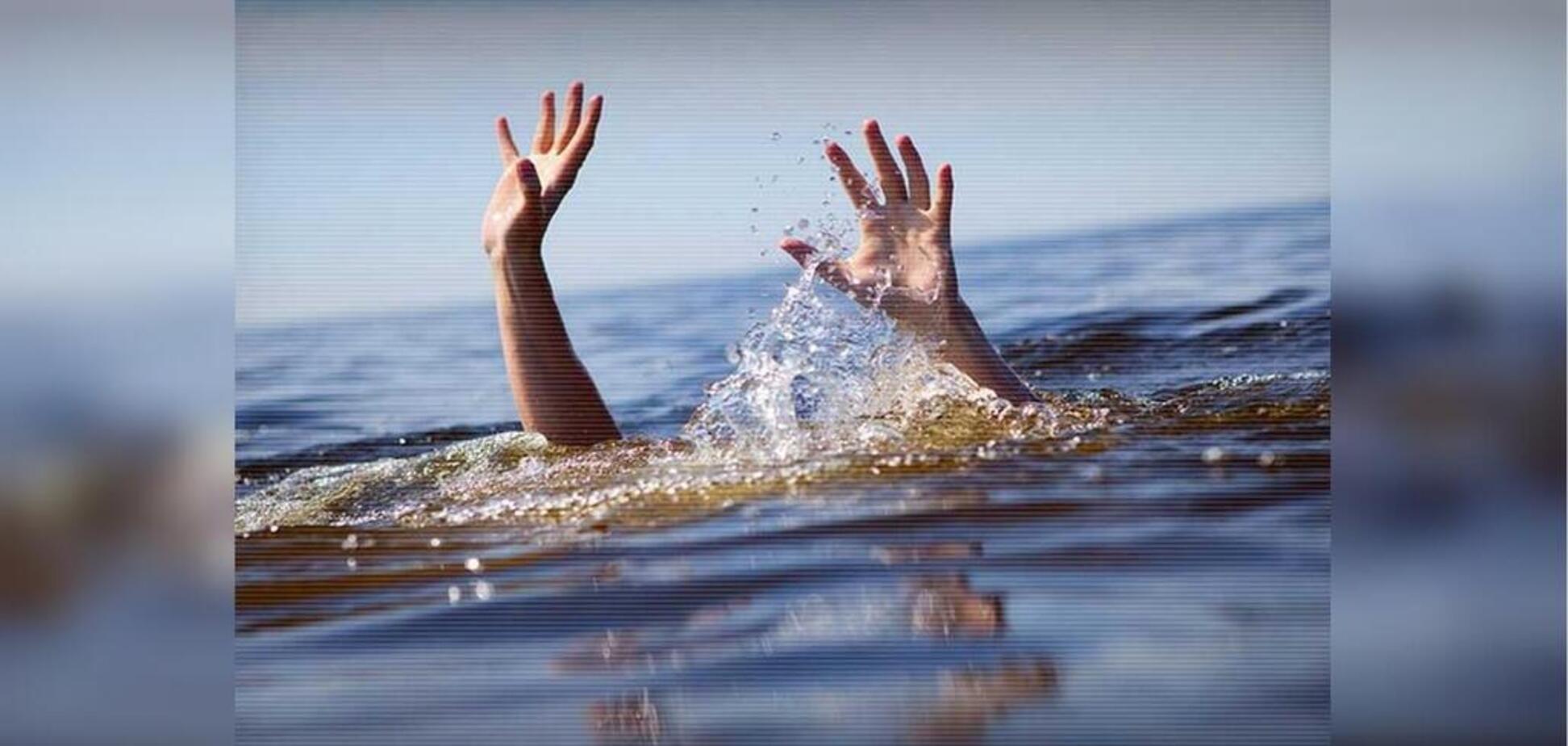 Витягли з води: в Дніпрі сталася НП з жінкою. Відео