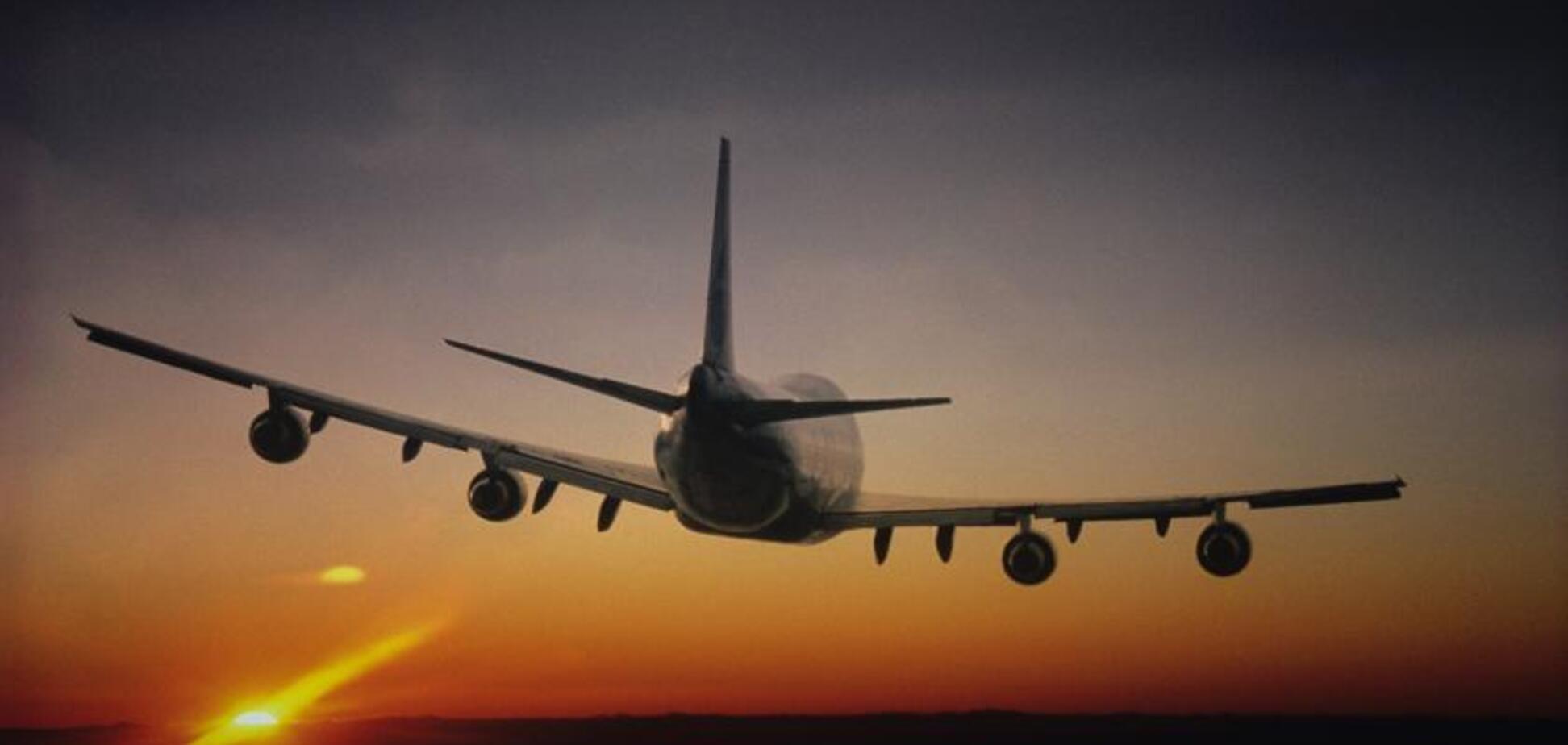 Екстрено сідав: в Івано-Франківську трапилася НП з пасажирським літаком