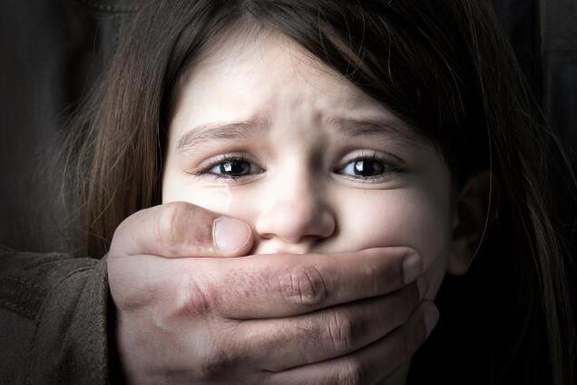 У Кам'янському спіймали підозрюваного в спробі розбещити 12-річну дівчинку