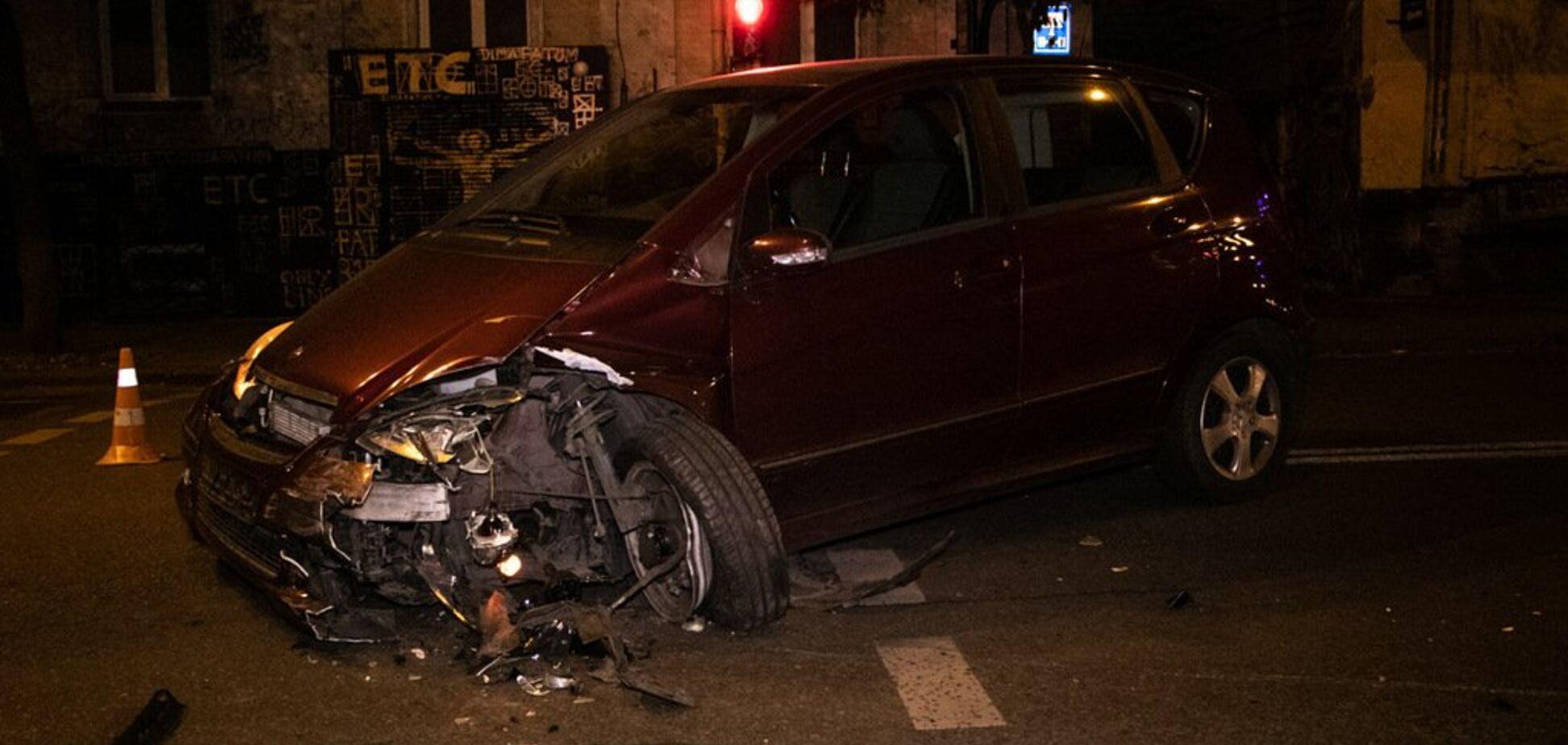 У центрі Києва п'яна водійка влаштувала жорсткуДТП