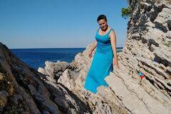 'Мокрая фотосессия' Савченко: психолог посоветовала экс-нардепу показать декольте